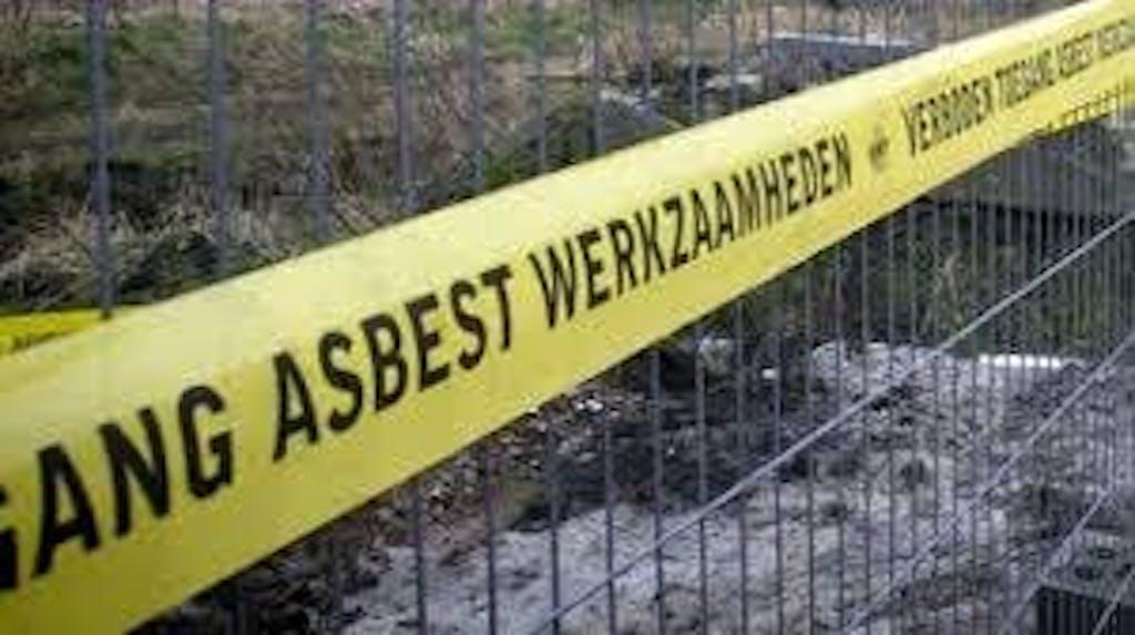 Asbest dak werkzaamheden pas op